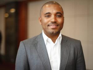 Dr. Oscar Ondo